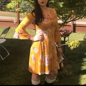 EUC Gold with Pretty Floral Print Dress